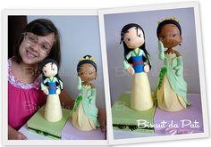 Mulan e Tiana by Biscuit da Pati Fondant Figures, Clay Figures, Princesa Mulan, Im A Princess, Disney Princess, Movie Crafts, Polymer Clay Dolls, Disney Cakes, Clay Design