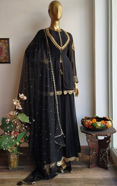 """Front Yoke Pattern with marodi handwork border 'Marodi"""" work motifs placed on sleeves . Source by clothes indian Pakistani Dresses Casual, Pakistani Dress Design, Indian Dresses, Indian Outfits, Eid Dresses, Pakistani Bridal, Cotton Dresses, Black Anarkali, Designs For Dresses"""
