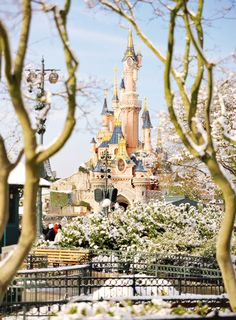 Snow at Disneyland Paris (x)