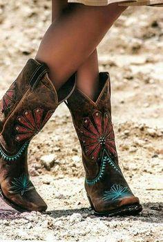 Boho cowgirl boots   #cowgirl #countrygirl #cowgirllifestyle  http://www.islandcowgirl.com/
