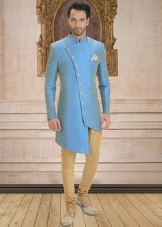 Sherwani For Men Wedding, Wedding Dresses Men Indian, Groom Wedding Dress, Sherwani Groom, Mens Indian Wear, Indian Groom Wear, Indian Men Fashion, Indian Attire, Mode Masculine
