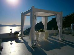 Beautiful days in Santorini. Dana's wedding terrace in Firostefani before the wedding ceremony