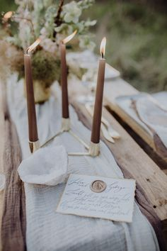Unique wooden crate table setting with rustic candles, gold and crystal details and hand drawn calligraphy Brown Candles, Rustic Candles, Fall Table Settings, Wedding Table Settings, Wedding Reception Decorations, Wedding Centerpieces, Wedding Signage, Rustic Wedding, Wedding Table Linens