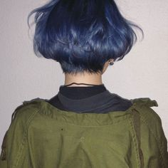 Hair color and cut goals! The undercut and periwinkle color is so edgy! Hair color and cut goals! The undercut and periwinkle color is so edgy! Cool Short Hairstyles, Pretty Hairstyles, Dye My Hair, New Hair, Short Hair Cuts, Short Hair Styles, Short Hair Girls, Short Blue Hair, Short Dyed Hair