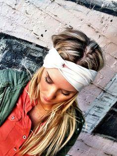 Como usar tu pañuelo. 27 formas diferentes http://www.stylesyoulove.es/guia/como-ponerse-panuelo-guia