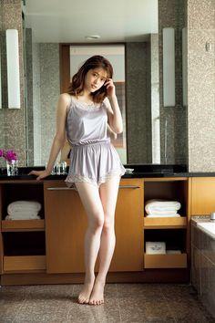 Beautiful Girl Image, Beautiful Women Pictures, Beautiful Asian Women, Beautiful Legs, Korean Beauty Girls, Asian Beauty, Cute Asian Girls, Sexy Hot Girls, Japonesas Hot