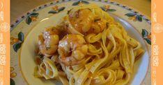 *** 400g Riesengarnelen, 400 g passierte Tomaten, 1 EL gehackte Petersilie, 5 EL Weißwein / o.k. noch Zucchini dazugeben. Risotto, Pasta, Zucchini, Spaghetti, Cooking, Ethnic Recipes, Food, Parsley, Rezepte