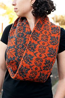 Ravelry: Lorraine Cowl pattern by Kelli Slack Double Knitting Patterns, Knitting Charts, Lace Knitting, Knitting Socks, Knitting Stitches, Knit Patterns, Knit Crochet, Knitted Hats, Crochet Granny