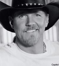 """Trace Adkins. Like this pic, he looks more """"outlaw"""" Austin than Nashville."""