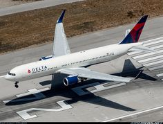 Boeing 767-332/ER aircraft picture