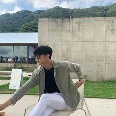 Korean Photoshoot, Men Photoshoot, Summer Outfits Men, Stylish Mens Outfits, Kpop Fashion Outfits, Boy Fashion, Korean Boys Hot, Handsome Asian Men, Korean Fashion Men