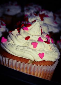 I cook this type of cupcakes. They are delicious!!! :B