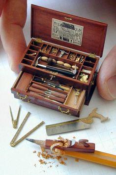 RED Miniature Sturdy Metal Hinged TOOLBOX Tools Set of 6 : DOLLHOUSE 1:12