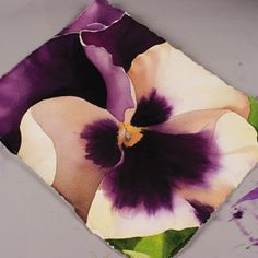 Step-by-step watercolour pansy tutorial by Birgit O'Connor.