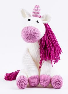 Knitting patterns for unicorn toys, scarves, blankets, and other projects. Knitting For Charity, Knitting Kits, Loom Knitting, Free Knitting, Knitting Projects, Baby Knitting, Unicorn Knitting Pattern, Animal Knitting Patterns, Knitted Dolls