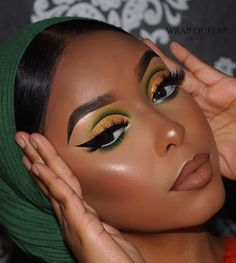 Gold Makeup Looks, Green Makeup, Black Girl Makeup, Blue Eye Makeup, Girls Makeup, Glam Makeup, Eyeshadow Makeup, Hair Makeup, Easy Makeup Looks