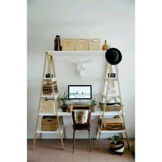 Duas escadas e uma boa idéia!  #design #decoracao #decoration #interiordesign #designdeinteriores #decor #coolideas #ladder #escada #ladderdesign #ladderdecor