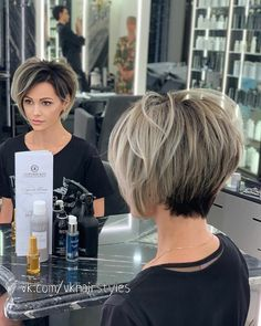 Bobs For Thin Hair, Short Hair With Layers, Short Hair Cuts For Women, Medium Hair Styles, Curly Hair Styles, Pixie Haircut Styles, Short Hair Trends, Really Short Hair, Teased Hair