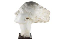Arrigo Minerbi (1881 - 1960), Crisalide, volto di donna in marmo bianco di Carrara.