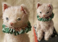 Antique Toys, Vintage Toys, Bear Toy, Teddy Bear, Needle Felted Animals, Needle Felting, Modern Toys, Cute Stuffed Animals, Cat Doll