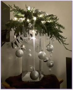 christmas centerpieces 21 beautiful christmas decorating ideas on a budget 00004 Christmas Vases, Christmas Arrangements, Christmas Flowers, Cheap Christmas, Christmas Table Decorations, Rustic Christmas, Simple Christmas, Beautiful Christmas, Christmas Home