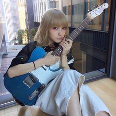いいね!26件、コメント1件 ― Hpone Htet Linさん(@hpone_htet_lin)のInstagramアカウント: 「❤️these should be on my Insta❤️ :3 :3 #scandal #scandalband #scandal_mami #mamisasazaki #mami #まみ #愛」