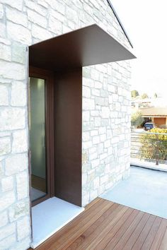 Treviso iron furniture projects- Progetti arredamenti in ferro treviso Treviso iron furniture projects - Modern Entrance, House Entrance, Entrance Doors, Garage Doors, Porch Kits, Building A Porch, Door Canopy, Marquise, House With Porch