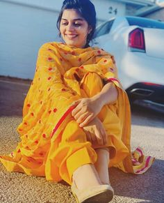 likes, 43 comments – ❤ Tohrified ❤ ( on I … – girl photoshoot poses Stylish Photo Pose, Stylish Girls Photos, Stylish Girl Pic, Simple Kurta Designs, Stylish Dress Designs, Stylish Dresses, Punjabi Girls, Pakistani Girl, Punjabi Suits