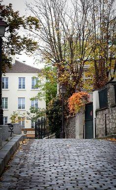 Autumn colors in Montmartre Paris | Flickr - Photo by Celina Rocque