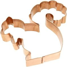 The Old River Road Squirrel Cookie Cutter is an attractive and well built cookie cutter – that's … pure fun, with its unique and whimsical design.