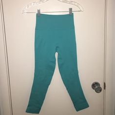 Lululemon zone in crop zone in tights in peacock blue in size 4 cropped. They have been washed and hang dried once. I normally wear a 4 in lulus and they are small!! lululemon athletica Pants Leggings