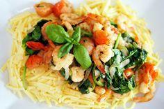 Spaghetti met pesto-garnalen, cherrytomaatjes en spinazie