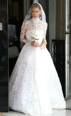 Nicky Hilton (in Valentino Haute Couture gown) Is Married! Heiress Weds James Rothschild at Kensington Palace: All the Details | E! Online Mobile