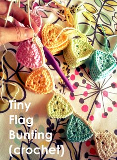 Crochet Square Pattern This triangle can be made bigger to use for other things than this Tiny Flag Bunting: Free Crochet Pattern – sara's yarn studio - Crochet Bunting Free Pattern, Granny Square Crochet Pattern, Crochet Squares, Crochet Patterns, Crochet Flower Bunting, Knitted Bunting, Loom Patterns, Crochet Shawl, Easy Crochet Projects