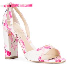 Monique Lhuillier floral print sandals (3.330 RON) ❤ liked on Polyvore featuring shoes, sandals, flower pattern shoes, floral-print shoes, white sandals, white leather shoes and white shoes