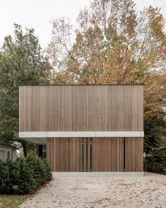 Architecture/Design Very clean - possibly a little too minimal? But a nice proportion and great simp Architecture Design, Minimal Architecture, Residential Architecture, Contemporary Architecture, Wooden Facade, Timber Cladding, Exterior Design, Modern Exterior, Villa