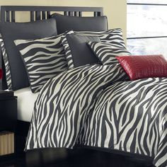 Comes a nice photo gallery for lovers of animal figures. In this paper, zebra print decor and ideas are waiting for you.