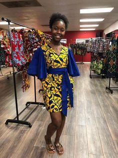 african fashion outfits that looks fab . African Fashion Designers, African Fashion Ankara, African Inspired Fashion, Latest African Fashion Dresses, African Print Fashion, Africa Fashion, Short African Dresses, African Blouses, African Print Dresses