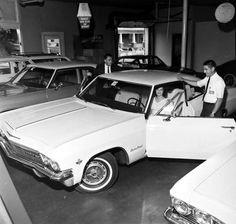 Walk-Around… new 65 Impala Super Sport on the floor 65 Chevy Impala, Used Car Lots, Chevrolet Dealership, Volkswagen, Girls Driving, Chevrolet Bel Air, Super Sport, Car Dealerships, Dream Cars