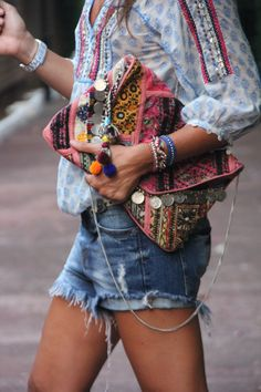 Boho chic crochet embellished peasant blouse top with modern hippie cut off denim blue jean shorts and gypsy style coin clutch purse. Source by indirasarasvati outfits for spring boho chic Boho Summer Outfits, Style Outfits, Boho Outfits, Cute Outfits, Woman Outfits, Outfit Summer, Summer Shoes, Looks Street Style, Looks Style