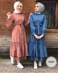 9 or 10 ? Muslim Women Fashion, Modern Hijab Fashion, Modesty Fashion, Abaya Fashion, Fashion Outfits, Hijab Style Dress, Hijab Chic, Moda Hijab, Hijab Fashionista