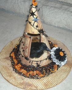 Witch Hat - Chris made for Amy. ['Found' or cloth-feather version] Más Retro Halloween, Holidays Halloween, Happy Halloween, Halloween Party, Victorian Halloween, Halloween Witch Decorations, Halloween Witch Hat, Halloween Crafts, Witch Hats