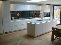 Renovate your kitchen with German Kitchen design styles Modern Kitchen Interiors, Modern Kitchen Design, Interior Design Kitchen, Kitchen Units, New Kitchen, Kitchen Decor, Kitchen Ideas, Kitchen Splashback Ideas, Square Kitchen