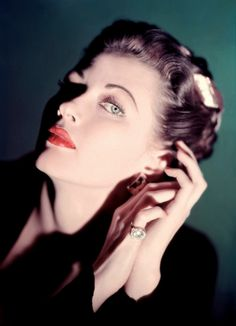 Yvonne De Carlo (c. Old Hollywood Actresses, Canadian Actresses, Classic Actresses, Old Hollywood Glamour, Hollywood Actor, Golden Age Of Hollywood, Vintage Glamour, Vintage Hollywood, Classic Hollywood
