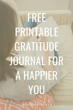 Reflect on all of your blessings and instantly brighten your outlook as you use this FREE Printable Gratitude Journal! #gratitudejournal #givethanks #gratefulheart