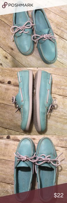 Dexter Turquoise Size 8 Boat Shoes Moccasins Super comfy pair of loafers/boat shoes/Moccasins. Never goes out of style. Normal wear with no major stains, rips or tears. Sole shows little to no signs of wear. Non smoking home Dexter Shoes Moccasins