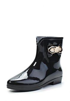 Удобные полусапоги от Mon Ami. Обувь черного цвета выполнена из резины. Детали: подкладка и стелька из текстиля, маленький каблук, декор в виде бантика на голенище. http://j.mp/1rEXUp5