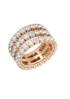 Chopard sait qu'il n'y a pas meilleur moment pour dire Je t'aime que l'instant présent. Avec l'alliance Heure du Diamant, l'amour brille de tous ses feux. Cette époustouflante monture trois rangs en or rose 18 carats est sertie de 69 diamants...