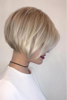 Best Short Hairstyles Of 2017 ★ See more: http://lovehairstyles.com/best-short-haircuts-hairstyles/