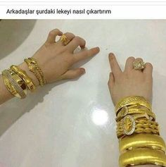 Bu şahıs nerde oturuyo aceba??? Funny Images, Funny Pictures, Comedy Zone, Funny Thoughts, Clueless, Bangle Bracelets, Bangles, Funny Quotes, Jewelry Design